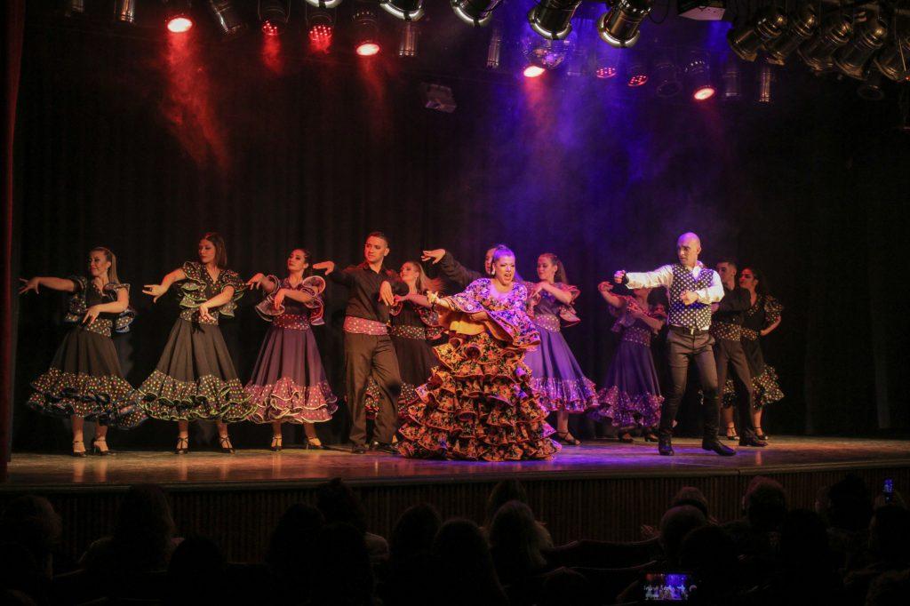 En el teatro Pedro Barbero, 750 espectadores disfrutaron del homenaje a Pimpinela