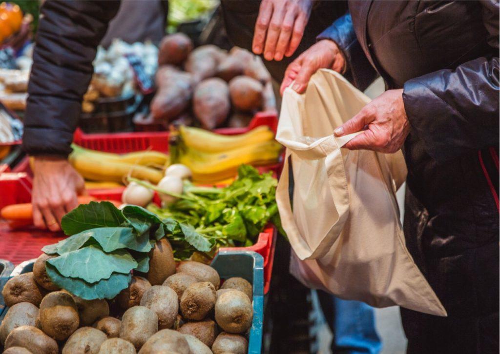 Brindan detalles de la ordenanza que regula el uso de las bolsas de polietileno en la ciudad
